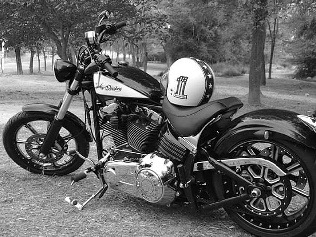 2008 HARLEY-DAVIDSON Breakout moto en alquiler (2)