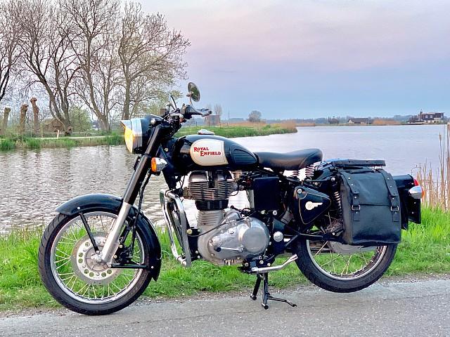 2010 ROYAL ENFIELD Classic motor te huur (4)