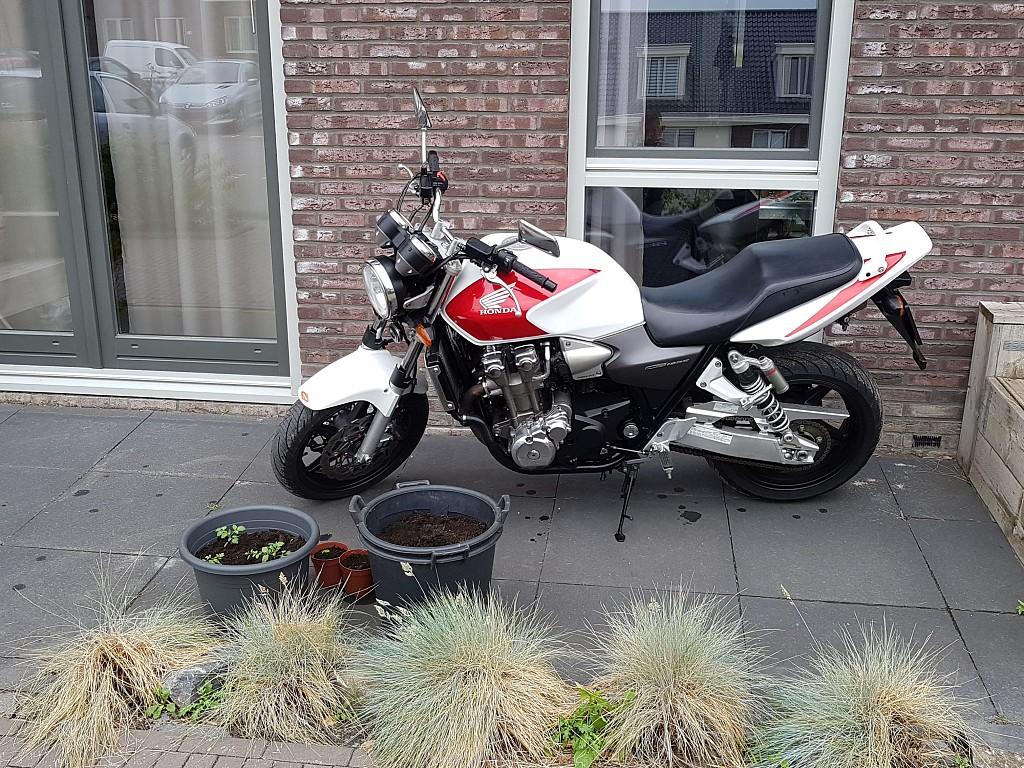 2005 Honda CB 1300 motor te huur (1)
