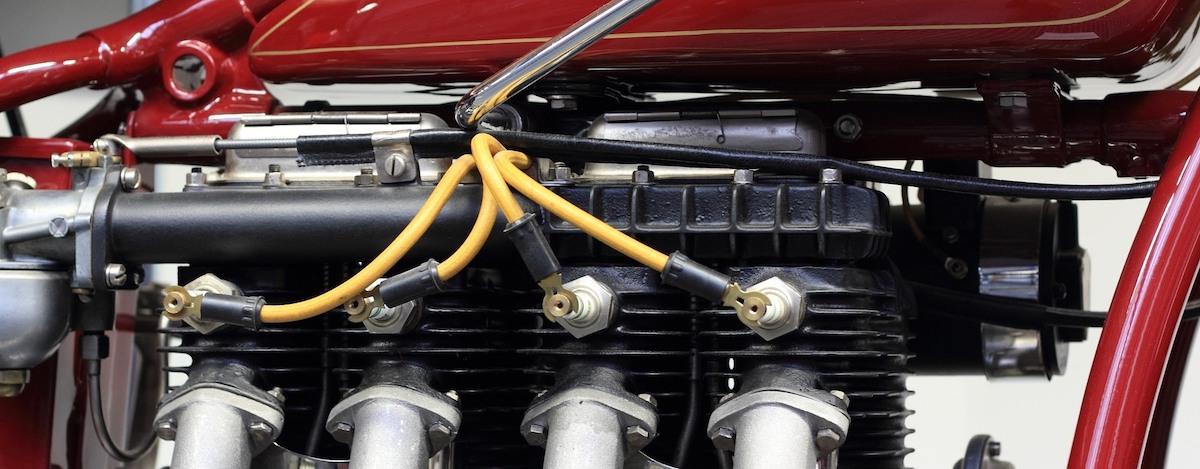 Uitlaatbochten motor: Bougies vervangen