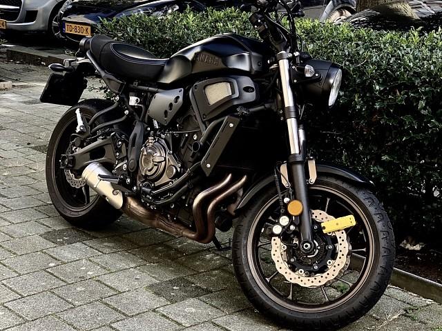 2018 Yamaha XSR 700 motor te huur (2)