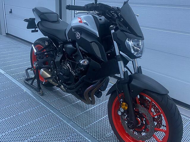 2020 Yamaha MT 07 motor te huur (1)