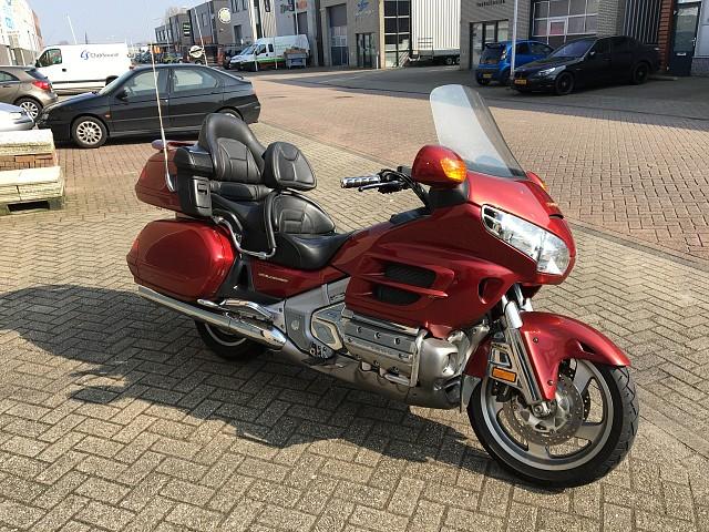 2001 HONDA GL 1800 moto en alquiler (1)