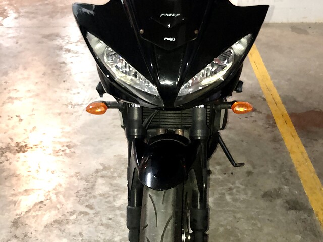 2007 Yamaha FZ 6 moto en alquiler (5)