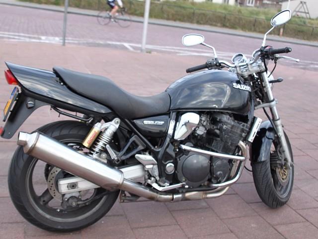 2000 Suzuki GSX 750 motor te huur (3)