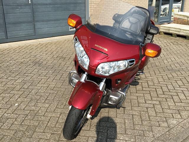 2001 Honda GL 1800 motor te huur (4)