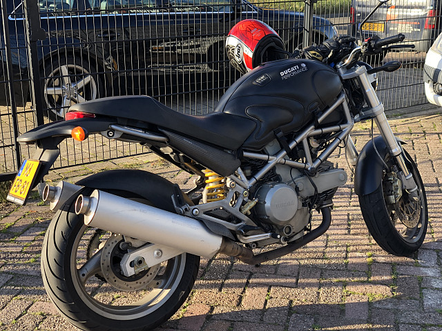 2003 Ducati Monster 620 motor te huur (3)