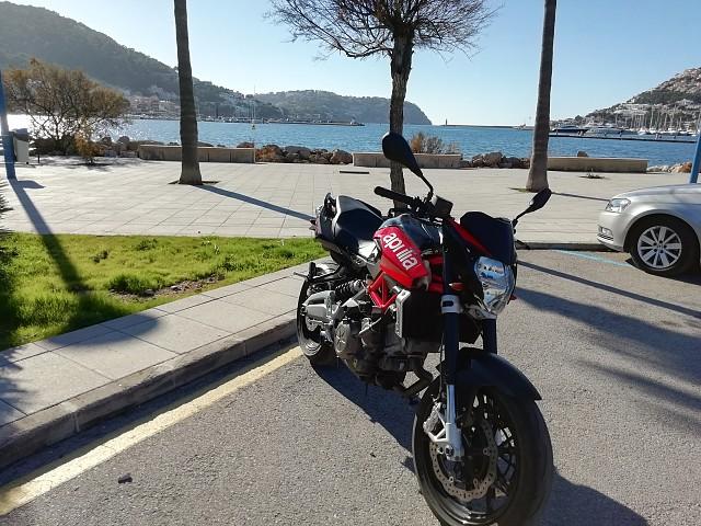 2011 APRILIA Shiver 750 moto en alquiler (2)