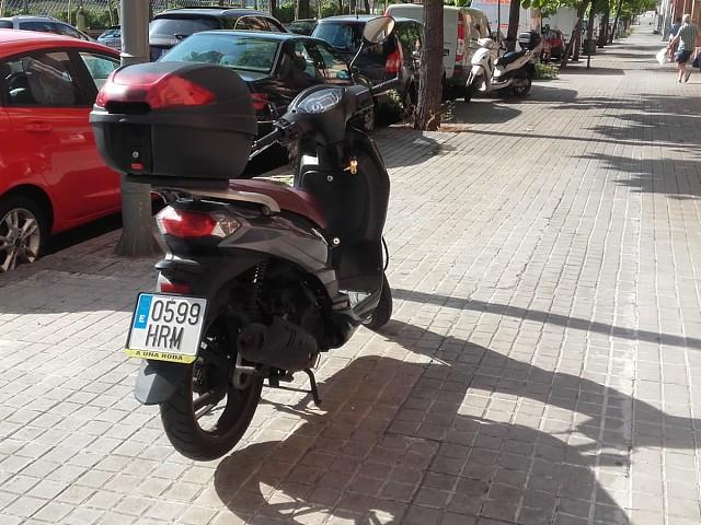 2013 PEUGEOT Tweet 125 moto en alquiler (3)