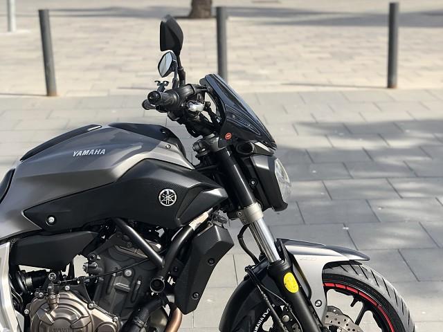 2014 YAMAHA MT-07 moto en alquiler (2)