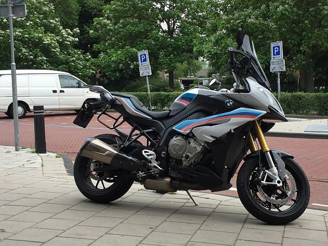 2016 BMW S 1000 XR motor te huur (1)