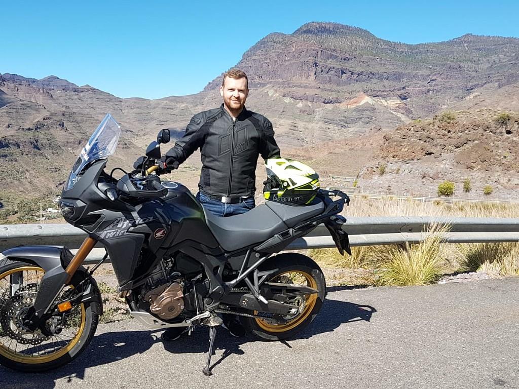 2018 HONDA Africa Twin moto en alquiler (1)