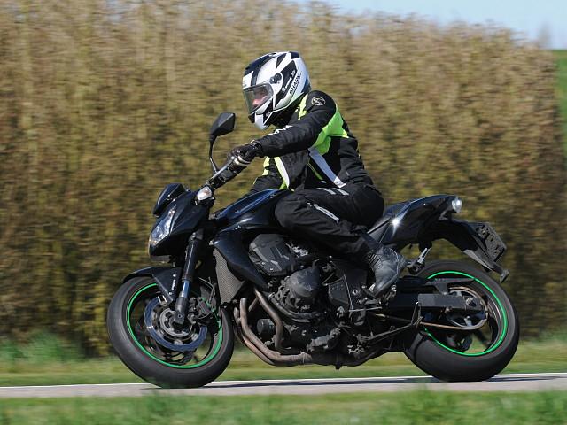 2012 Kawasaki Z750 motor te huur (2)