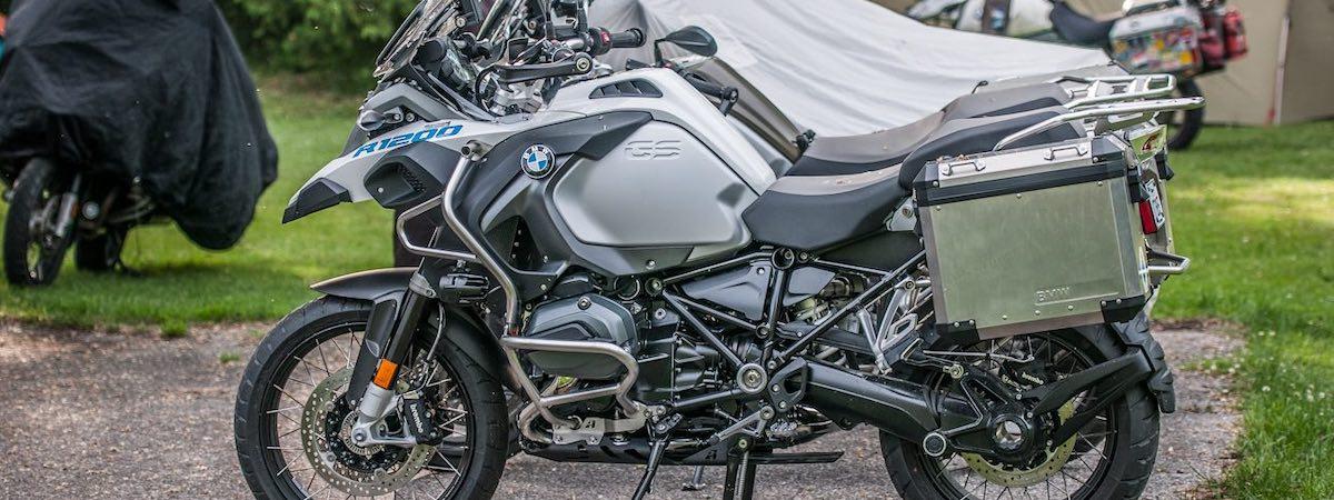 BMW motor op camping: Motorcamping Frankrijk
