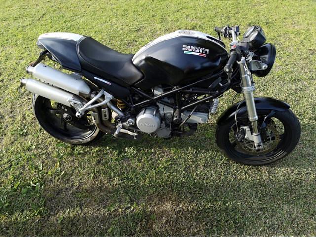 2006 DUCATI Monster S2R moto en alquiler (1)