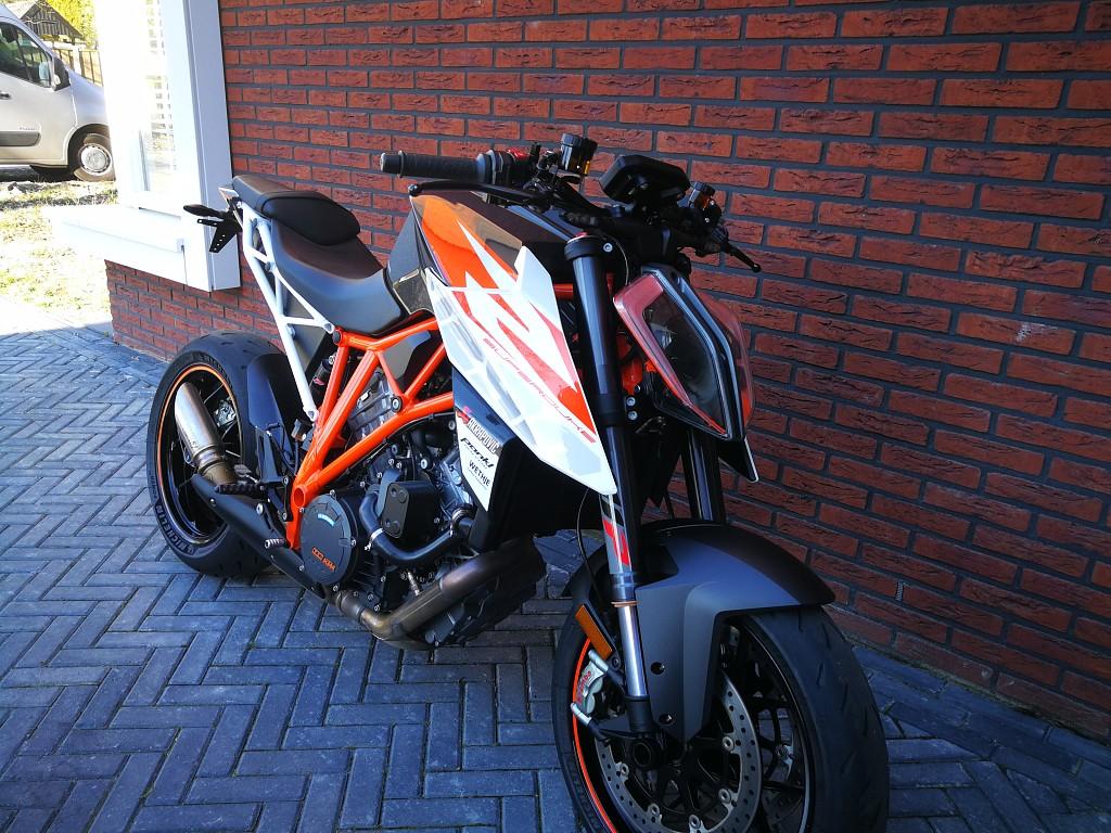 KTM 1290 Superduke R motor #1