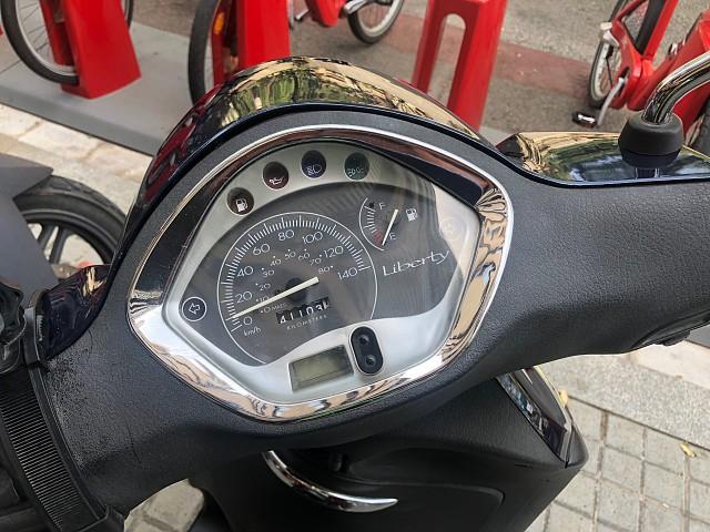 2010 PIAGGIO Liberty 125 moto en alquiler (5)