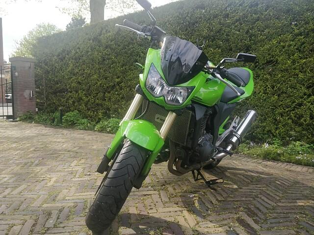 2003 Kawasaki Z1000 motor te huur (2)