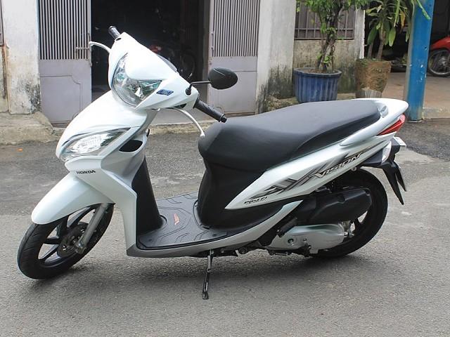 2015 HONDA Vision moto en alquiler (1)