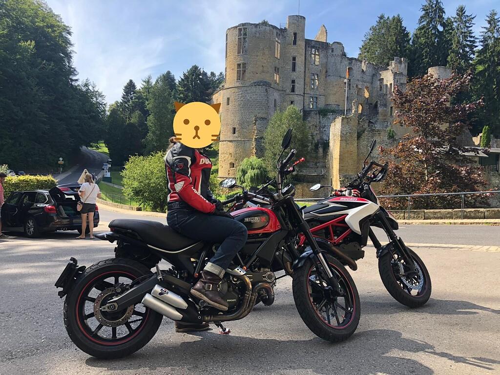 2016 Ducati Scrambler motor te huur (1)