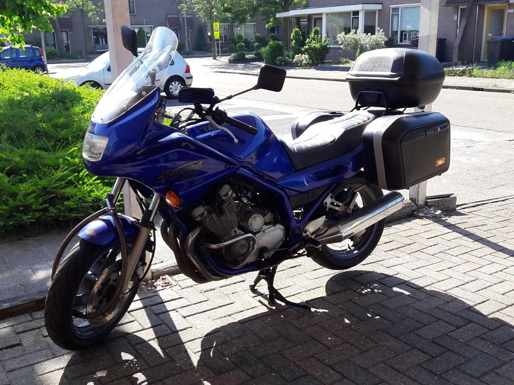 1998 YAMAHA XJ 900 motor te huur (1)