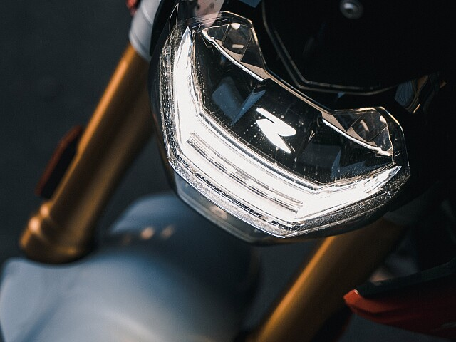 2021 BMW F 900 R motor te huur (5)