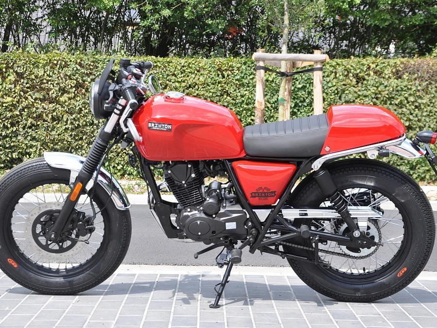 2018 BRIXTON BX 125 R moto en alquiler (1)