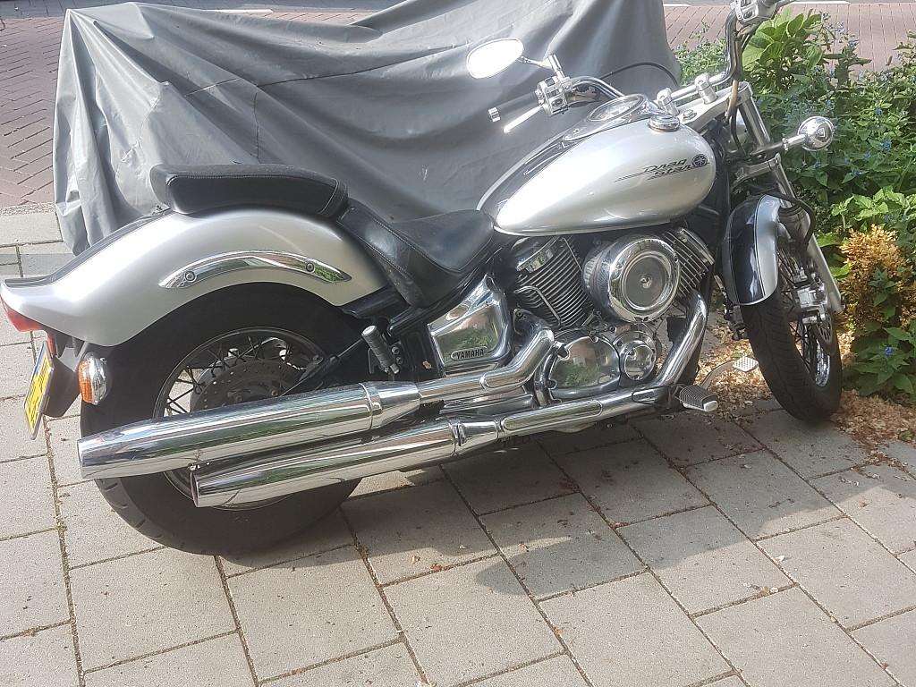 2004 YAMAHA Dragstar 1100 moto en alquiler (1)