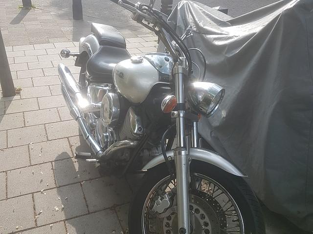 2004 YAMAHA Dragstar 1100 moto en alquiler (3)