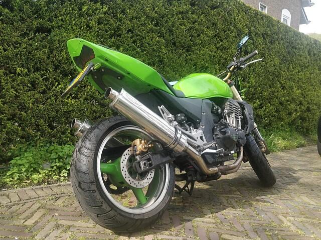 2003 Kawasaki Z1000 motor te huur (5)