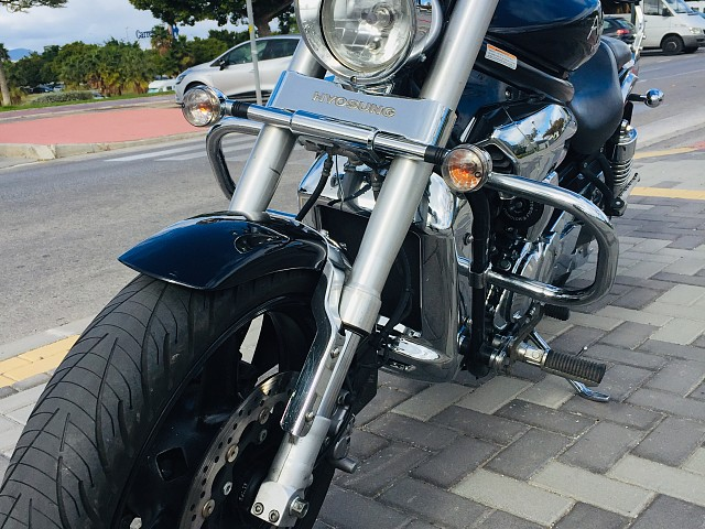 2009 HYOSUNG Aquila moto en alquiler (3)