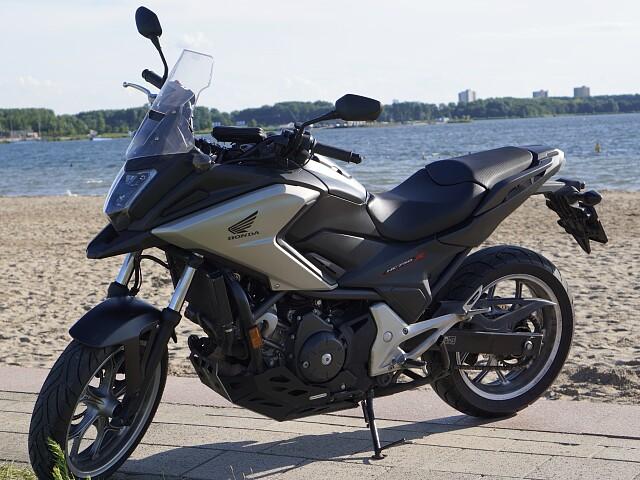 2018 Honda NC-750X DCT motor te huur (1)