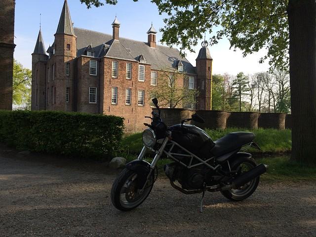 2000 Ducati Monster 600 motor te huur (2)