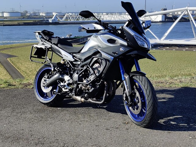 2015 Yamaha MT 09 TRACER motor te huur (1)