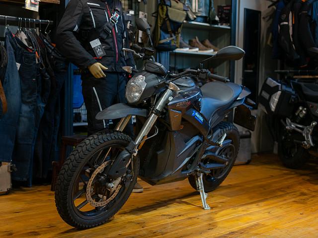 2020 Zero Motorcycles DSR motor te huur (2)