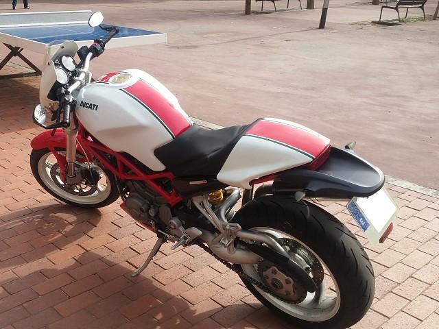 2005 DUCATI Monster S2R moto en alquiler (2)