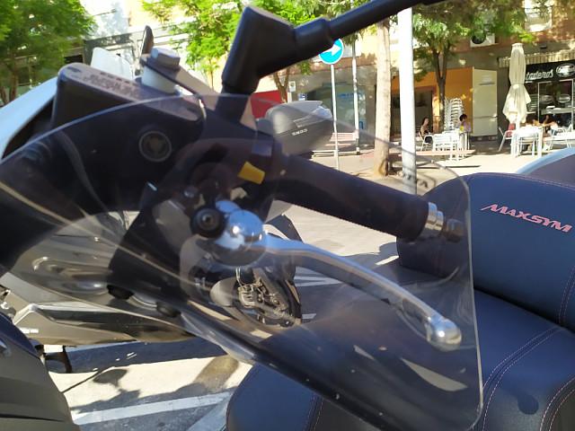 2016 SYM Maxsym 600 moto en alquiler (2)