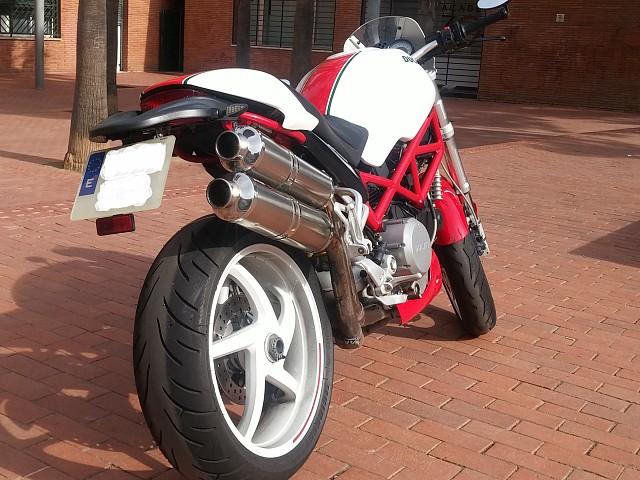 2005 DUCATI Monster S2R moto en alquiler (4)