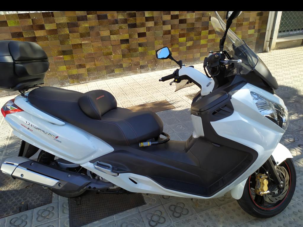 2016 SYM Maxsym 600 moto en alquiler (1)
