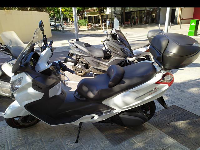 2016 SYM Maxsym 600 moto en alquiler (4)