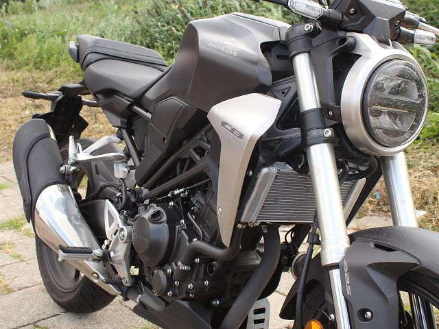 2019 HONDA CB 300 R motor te huur (3)