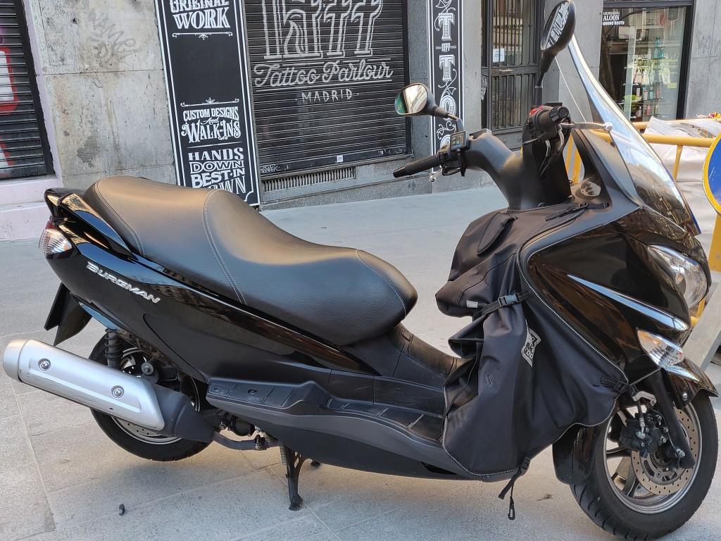 2016 SUZUKI Burgman moto en alquiler (1)