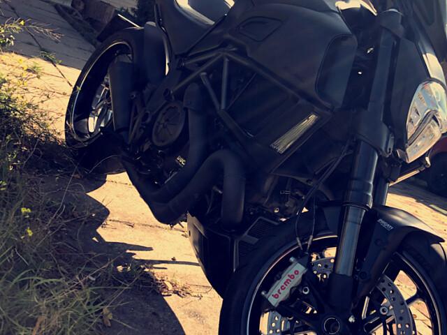 2015 Ducati Diavel motor te huur (2)