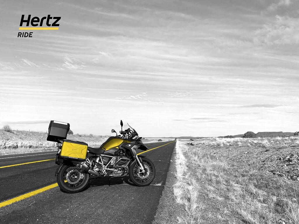 2020 BMW R 1250 GS moto en alquiler (1)