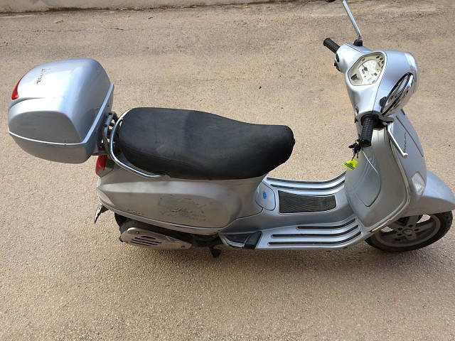 2007 PIAGGIO Vespa LX 125 moto en alquiler (1)