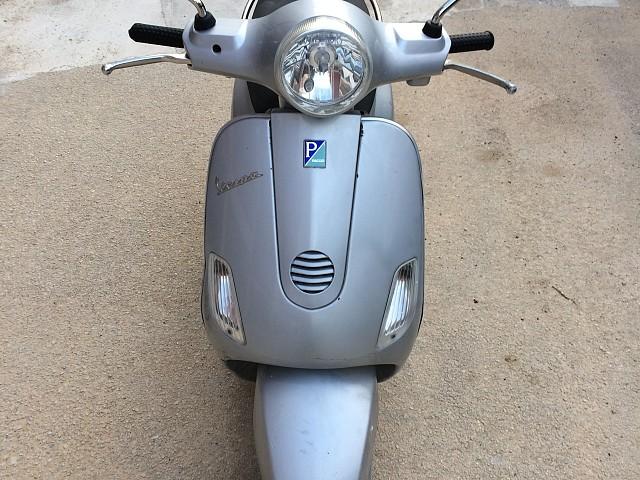 2007 PIAGGIO Vespa LX 125 moto en alquiler (3)