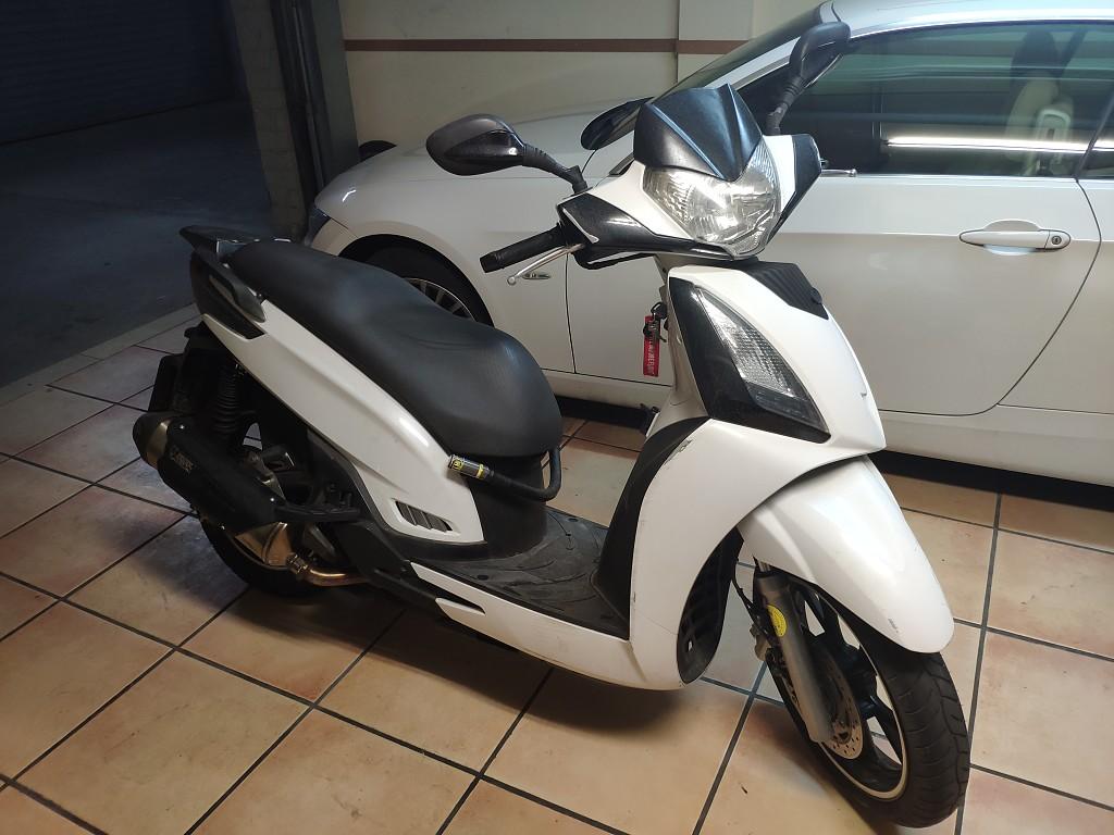 2012 KYMCO People GTI 125 moto en alquiler (1)