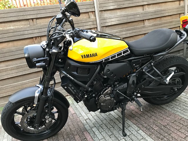 2016 YAMAHA XSR 700 moto en alquiler (4)