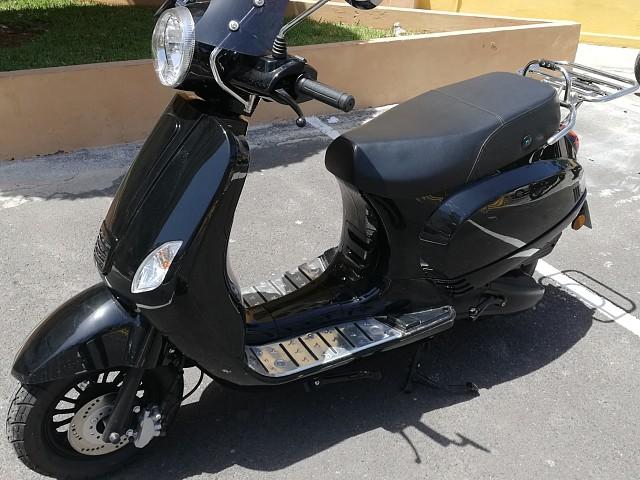 2019 LAMBRETTA JL 125T moto en alquiler (3)