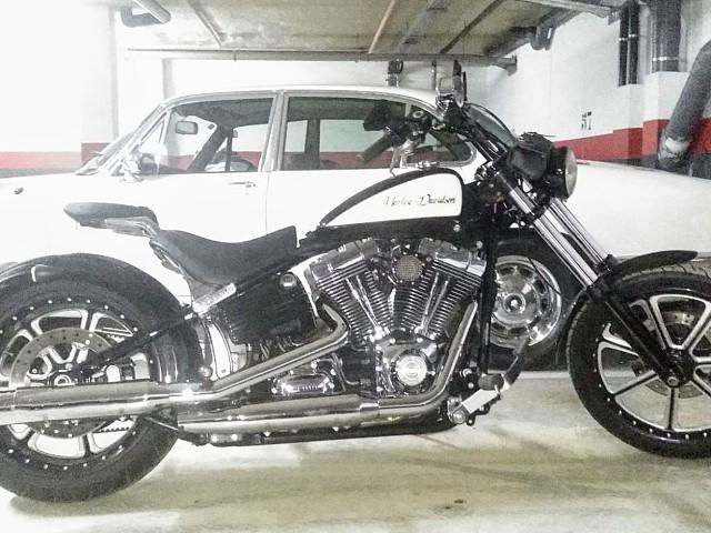 2008 HARLEY-DAVIDSON Breakout moto en alquiler (3)